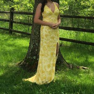 Yellow primavera prom dress